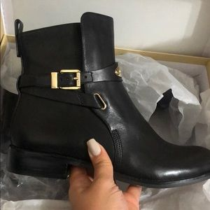 Brand new michael kors boots size 7.5